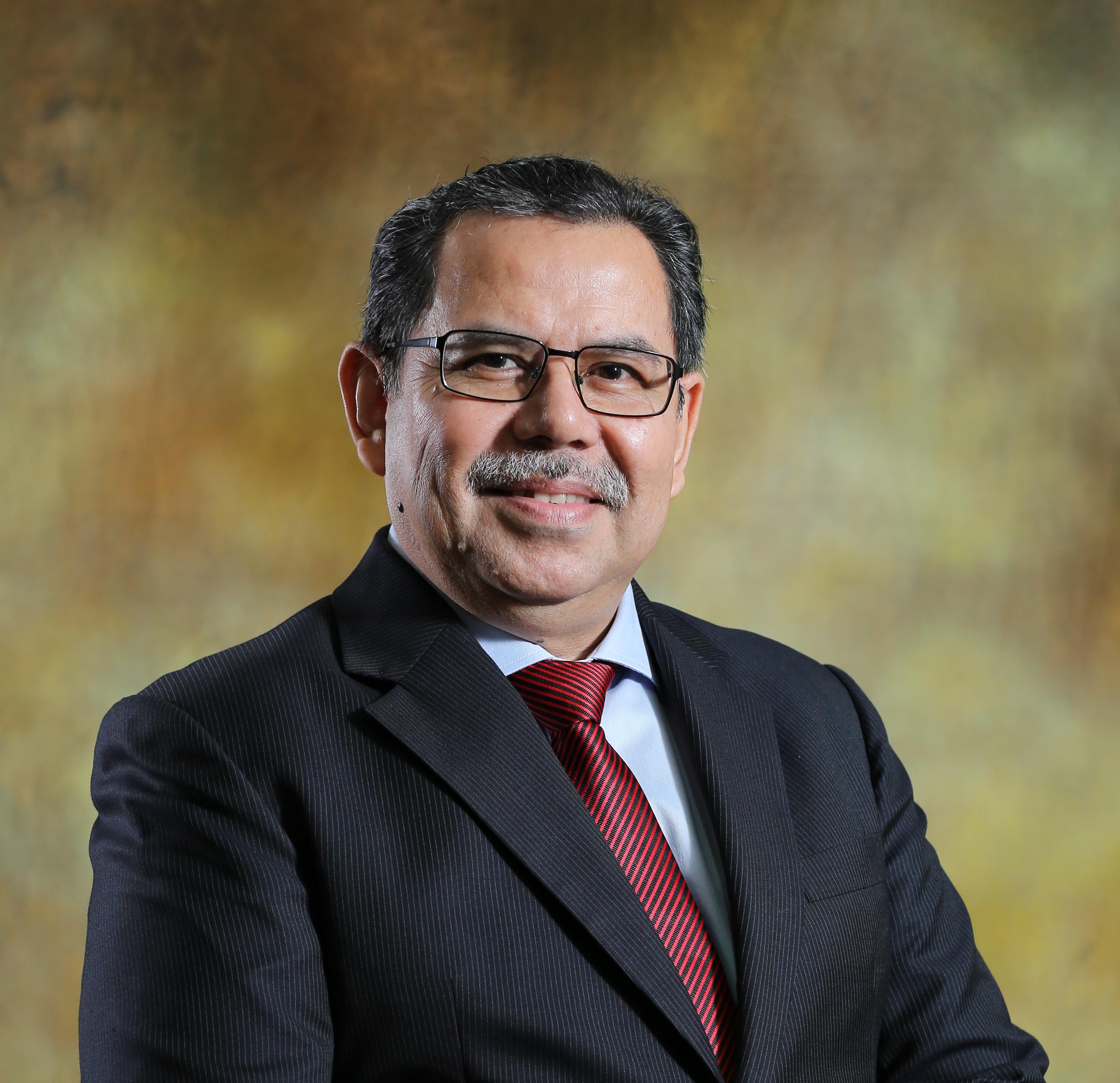 داتو أ.د.عزمي عمر
